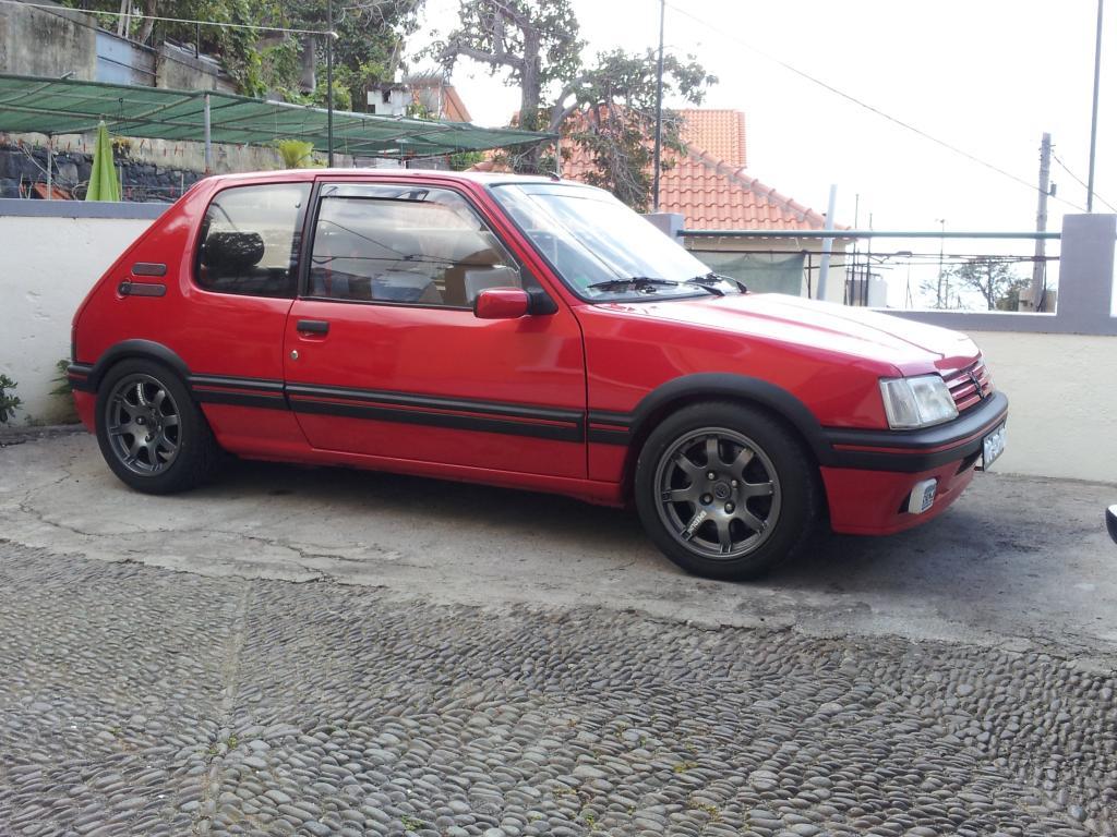 [RubenF] 205 GTI 1.6 Rouge Vallelunga 1990 Samsungpics055_zps1cfefd5f