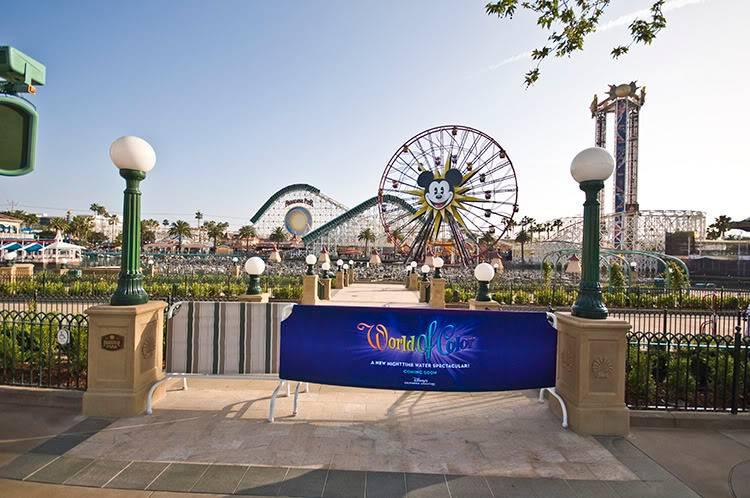 [Disney California Adventure] Le show nocturne World of Color (11 juin 2010) - Page 2 102-6