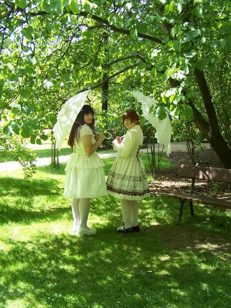 Merkades y Alicia, escritoras de Doll Stories 100_3746