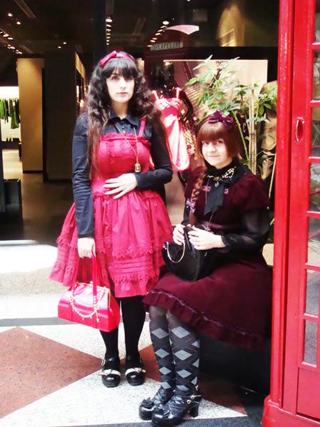 Merkades y Alicia, escritoras de Doll Stories DSC02883