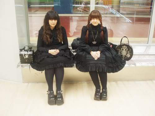 Merkades y Alicia, escritoras de Doll Stories Goticascondinero