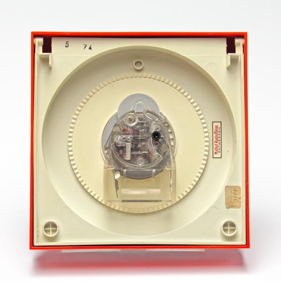 Krups Electronic Wall Clock w/ Calendar Clock_6