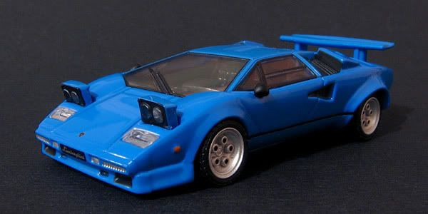 CM's 1:64 - Page 2 Countach_1
