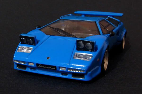 CM's 1:64 - Page 2 Countach_3