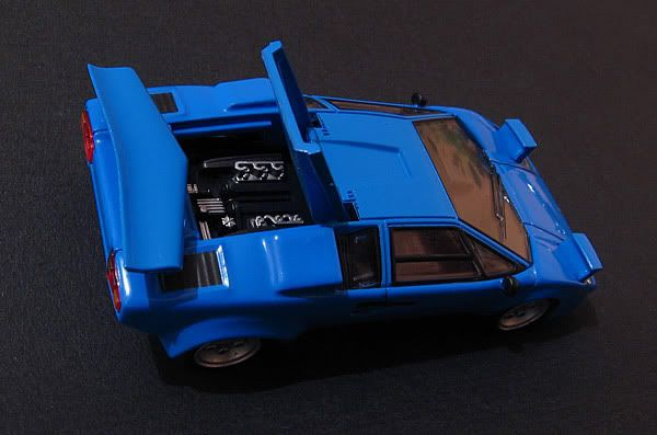 CM's 1:64 - Page 2 Countach_4