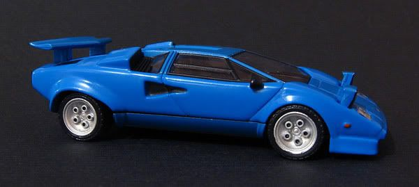 CM's 1:64 - Page 2 Countach_5