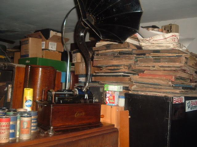 My refinnished Edison Home model B 2004_0101CygnethornEdisHomeB0003