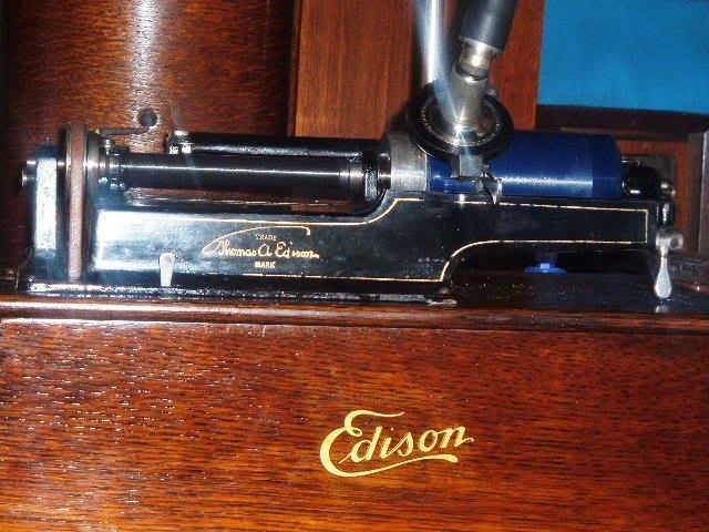 My refinnished Edison Home model B 2004_0101CygnethornEdisHomeB0004