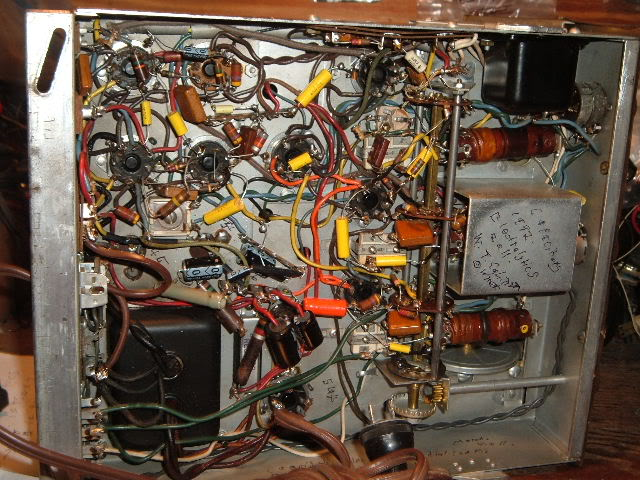 My Magnavox 1946 model RC-198C radio-phonograph 2011_0314Magnavox98Cdone0004