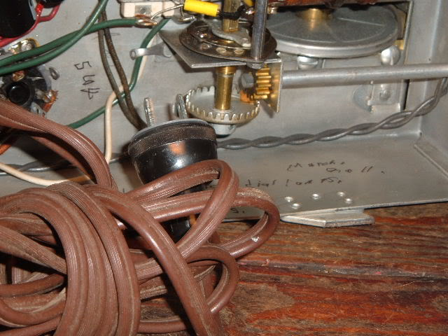 My Magnavox 1946 model RC-198C radio-phonograph 2011_0314Magnavox98Cdone0008