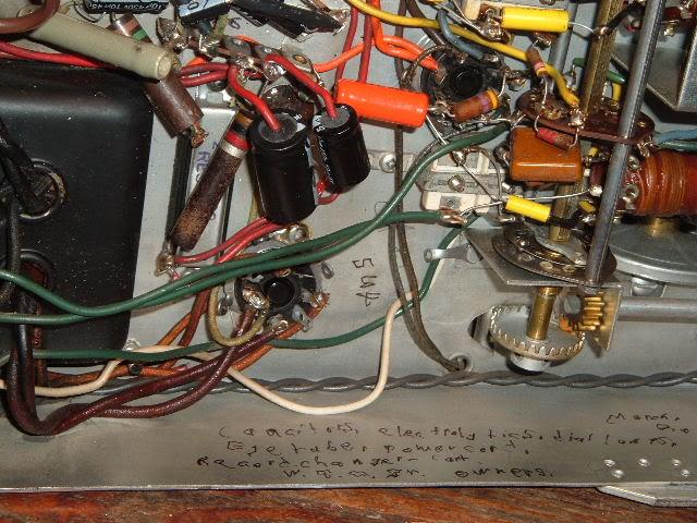 My Magnavox 1946 model RC-198C radio-phonograph 2011_0314Magnavox98Cdone0010