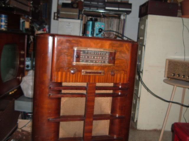 Finally back on GE J-805 radio. 2011_0331GEJ-805plays0001