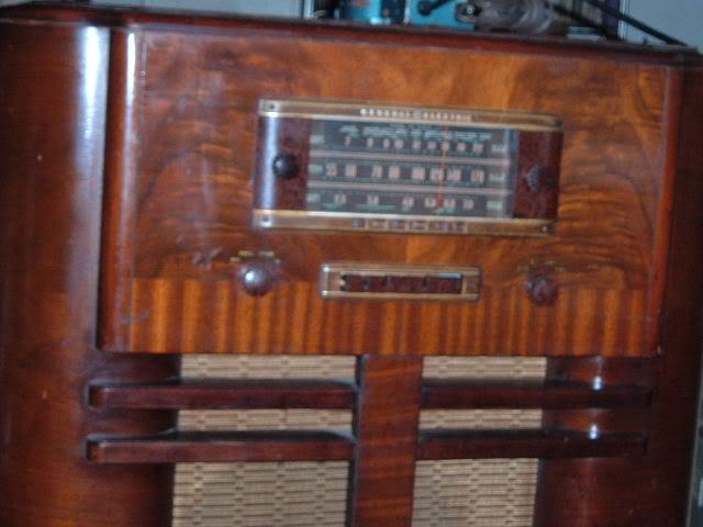 Finally back on GE J-805 radio. 2011_0331GEJ-805plays0002