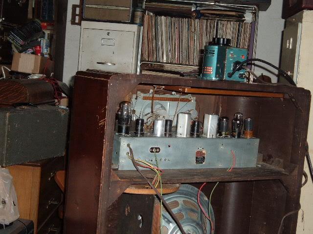 Finally back on GE J-805 radio. 2011_0331GEJ-805plays0004