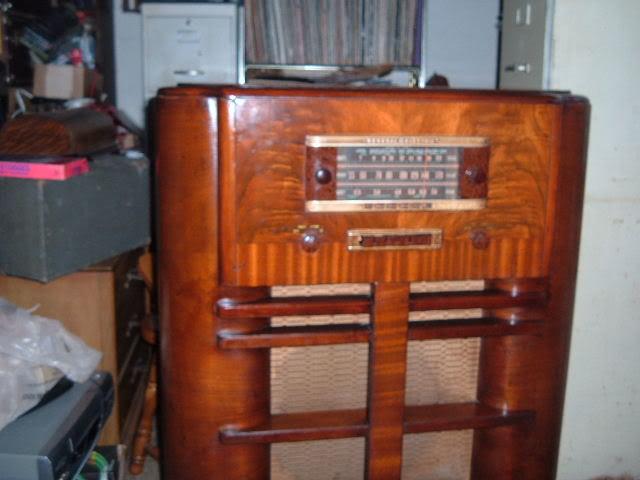 Finally back on GE J-805 radio. 2011_0404GEJ-805Finnished0001