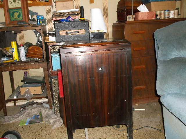 Let's see your phonograph collection....... 2012_0808VictorOrthophonicetc0026