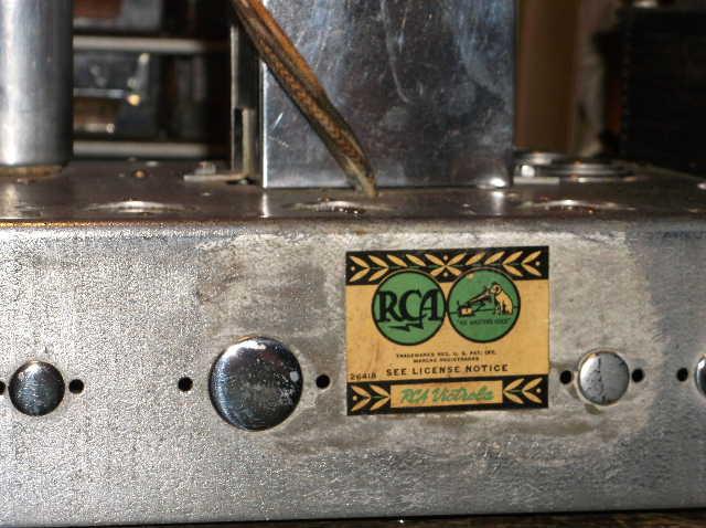 Restoration of RCA Victor R-98  1939 table top victrola 2012_0924RCAVictorR-980004