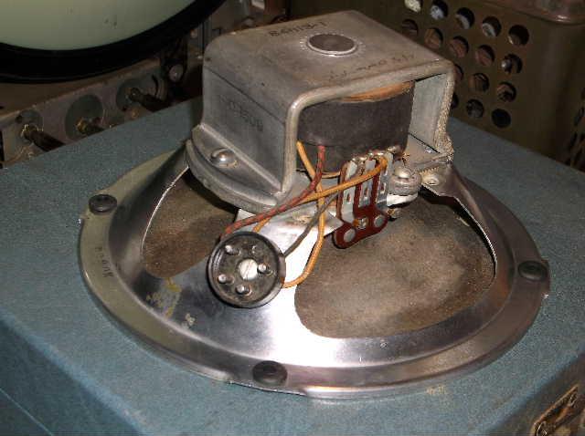 Restoration of RCA Victor R-98  1939 table top victrola 2012_0924RCAVictorR-980009