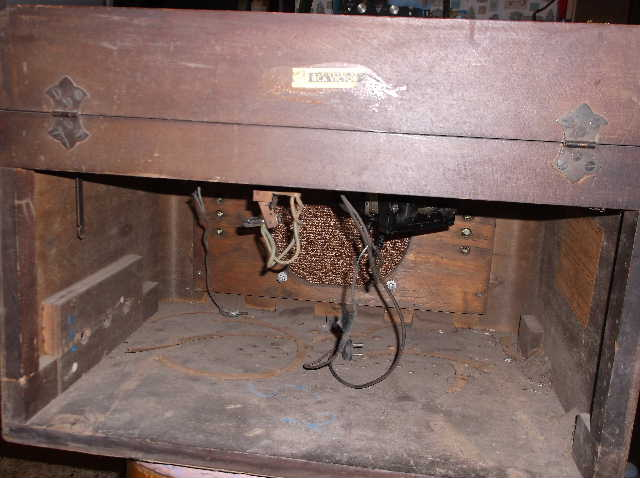 Restoration of RCA Victor R-98  1939 table top victrola 2012_0925RCAVictorR-98cabinet0001