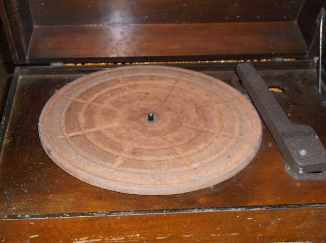 Restoration of RCA Victor R-98  1939 table top victrola 2012_0925RCAVictorR-98cabinet0004-1