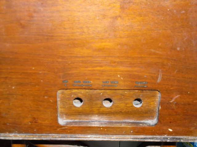 Restoration of RCA Victor R-98  1939 table top victrola 2012_0925RCAVictorR-98cabinet0006