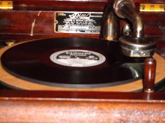 Edison Model A150 Diamond Disc machine The cabinet arrived....... - Page 3 2013_0313EdisonA150plays0005