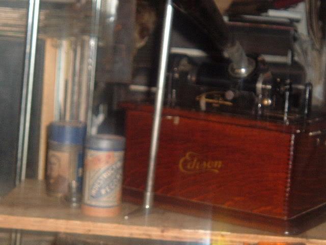 Just finnished my Edison standard model B phonograph EdisonStandardBfinnished1