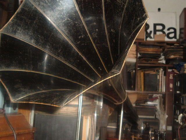 Just finnished my Edison standard model B phonograph EdisonStandardBfinnished3