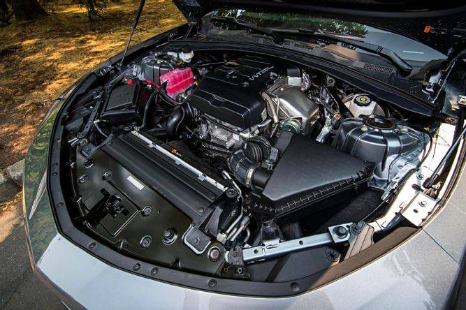 Premières impressions de la Camaro turbo 1LE 2019 003-2019-camaro-1le-ls-rs-turbo-4-cylinder-vvt-track.lpg