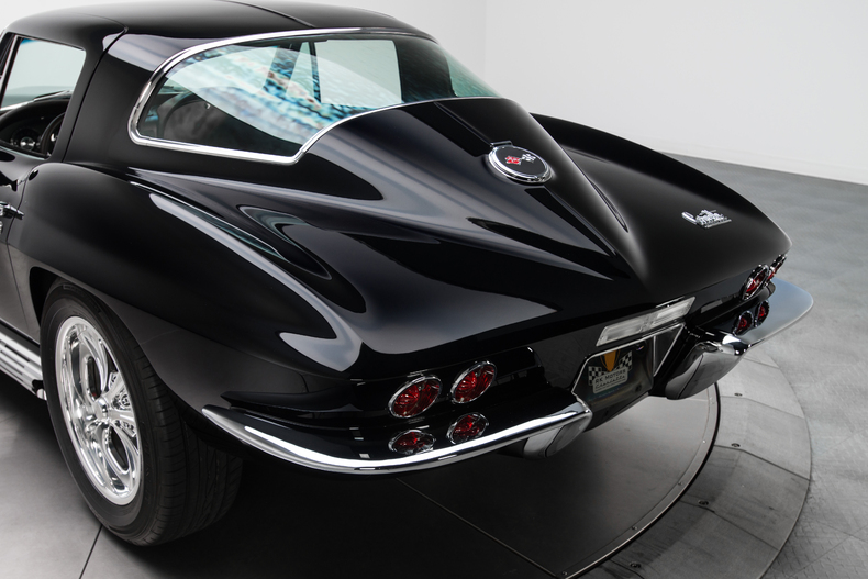 1967 Chevrolet Corvette Sting Ray 1967-Chevrolet-Corvette-Sting-Ray_262100_low_res