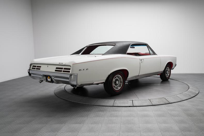 1967 Pontiac GTO 1967-Pontiac-GTO_261316_low_res