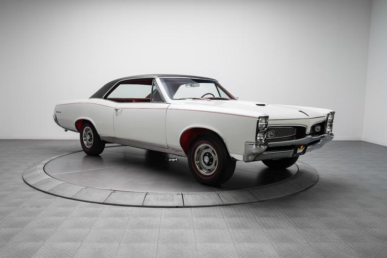 1967 Pontiac GTO 1967-Pontiac-GTO_261317_low_res