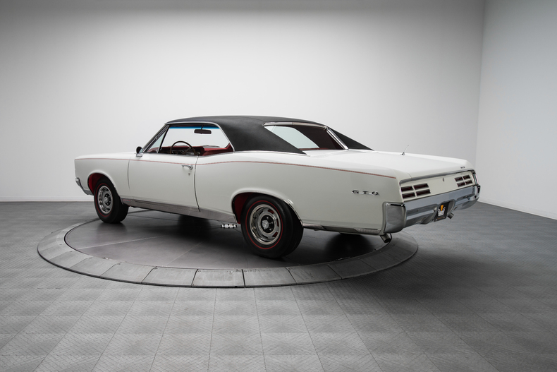 1967 Pontiac GTO 1967-Pontiac-GTO_261318_low_res