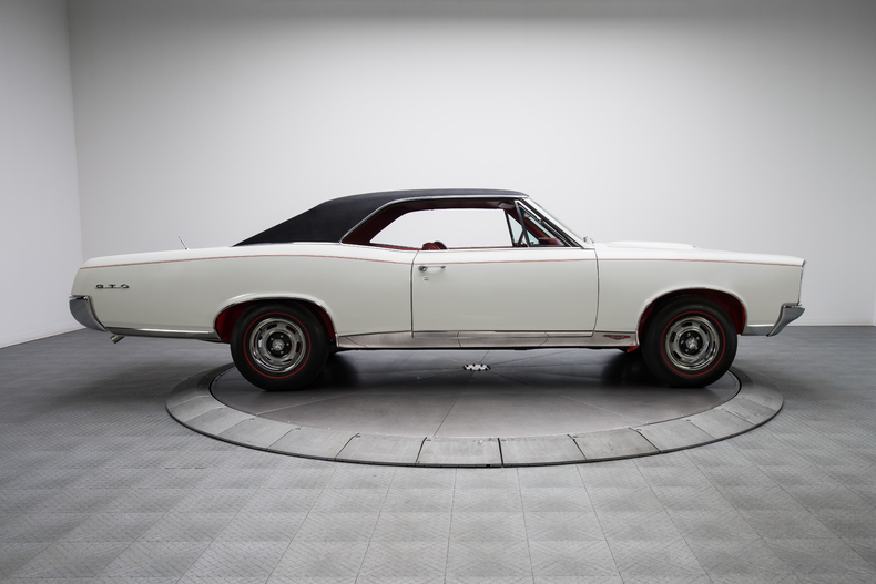 1967 Pontiac GTO 1967-Pontiac-GTO_261319_low_res