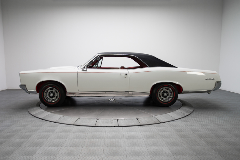 1967 Pontiac GTO 1967-Pontiac-GTO_261320_low_res