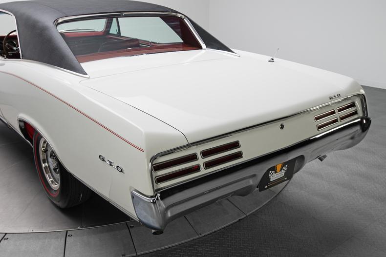 1967 Pontiac GTO 1967-Pontiac-GTO_261332_low_res