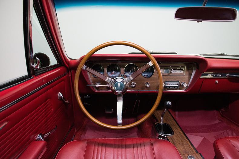1967 Pontiac GTO 1967-Pontiac-GTO_261361_low_res