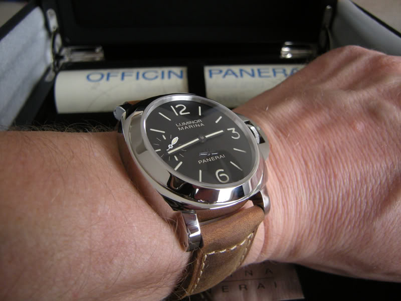 la taille  de vos poignets et celui de vos montres - Page 3 Pam00414_01