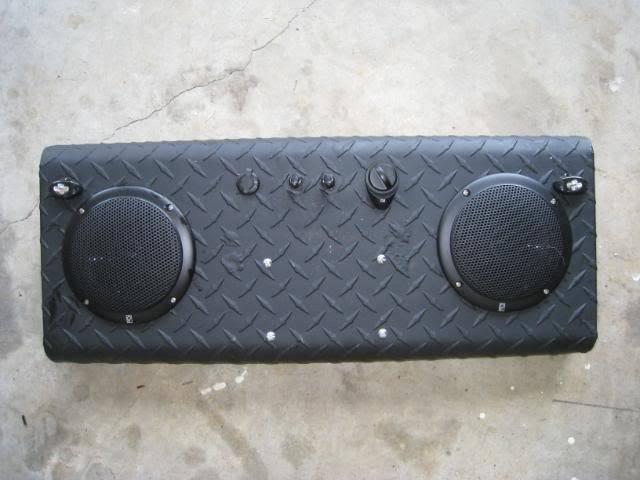 Rhino stereo RhinoStereo004