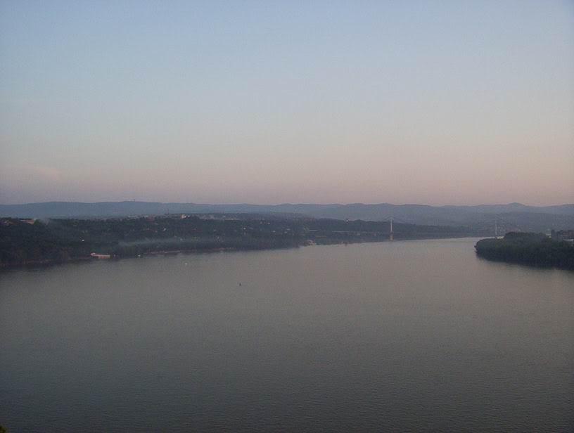 O Dunavu se razmišlja/definiše,... Dunav