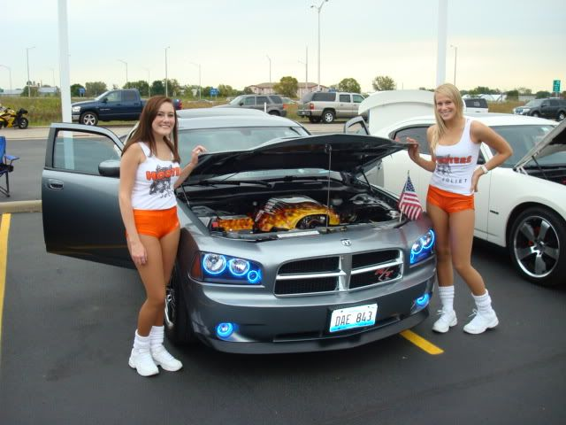 andrews car show pics....and hooter girls! Shorewoodshow005