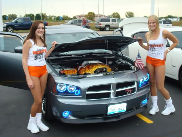 andrews car show pics....and hooter girls! Shorewoodshow006