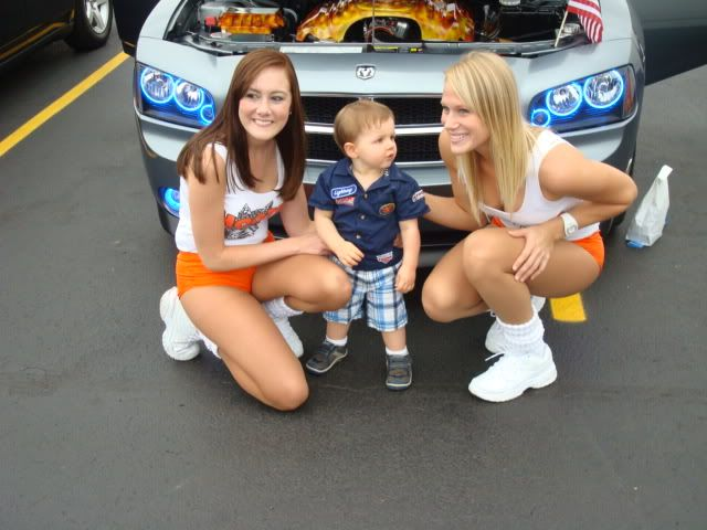 andrews car show pics....and hooter girls! Shorewoodshow007
