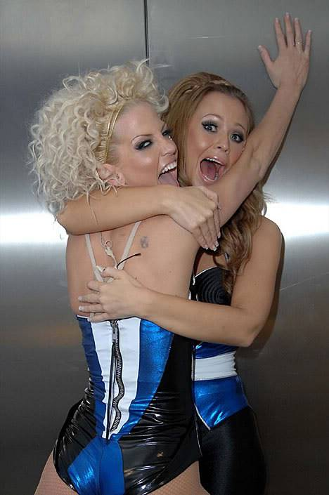 Diviértete con Girls Aloud (Fotos/Videos/Parodias) 03-1-1