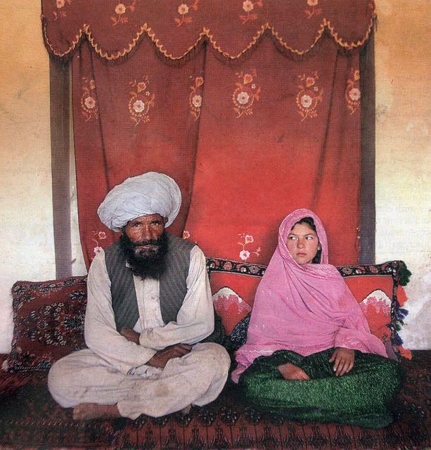 Benazir Butto, muerta en atentado Boda_Afganesa