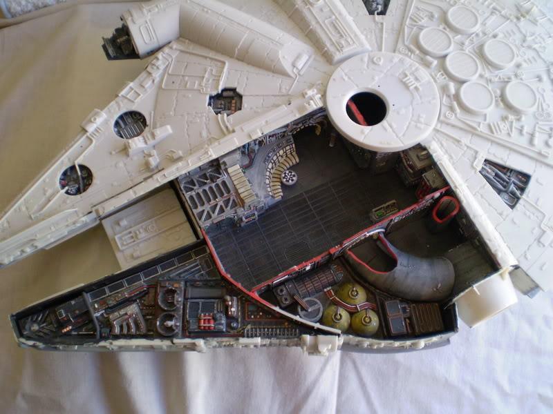Interior del Halcon Milenario PA070119