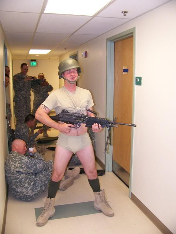 (OOOH HE SAID A BAD WORD!!)  IT UR I TOLD U KEEP YOUR PANTS ON ArmyStrongandArmyWrong