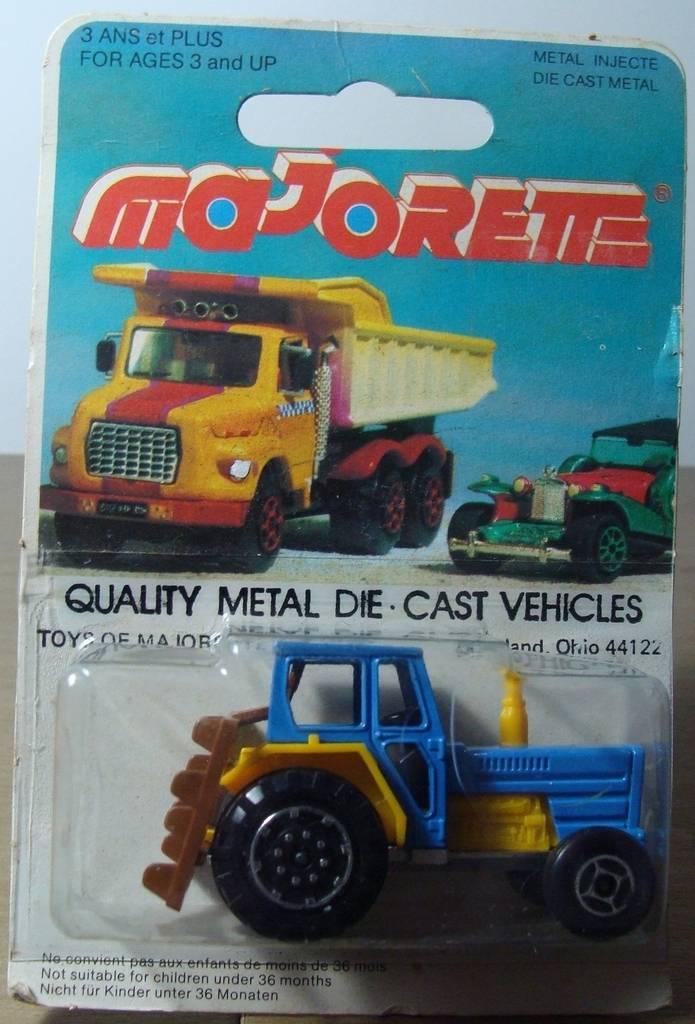N°208 tracteur 208.320Tracteur2001