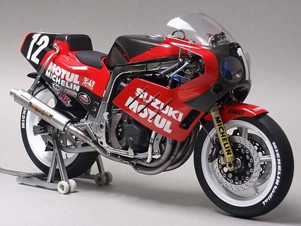 Concurso de miniaturas de moto 676