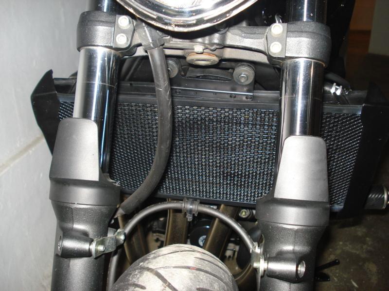 Radiador Bandit 1250 DSC05590